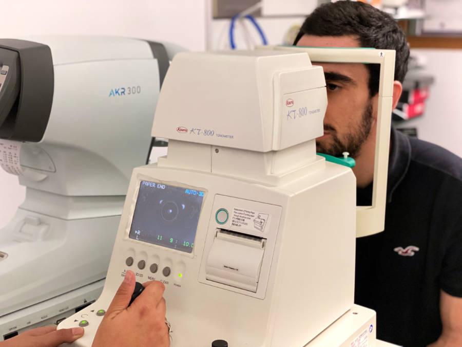 Tonómetro para medir la presión intraocular